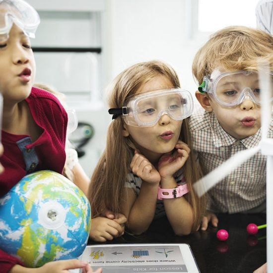 children learning science 550x550 - News